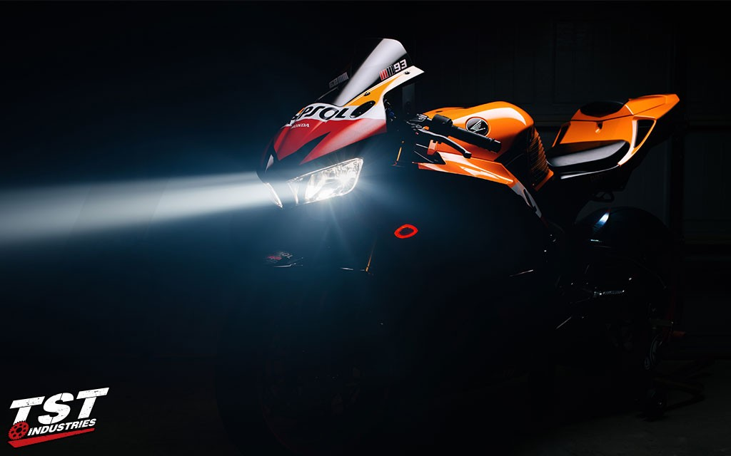 Transform your 2013+ Honda CBR600RR with the TST HALO-1 LED Flushmount Turn Signals.