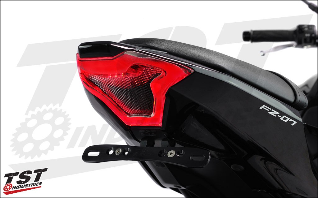 Unique design that compliments the design of the Yamaha YZF-R3.