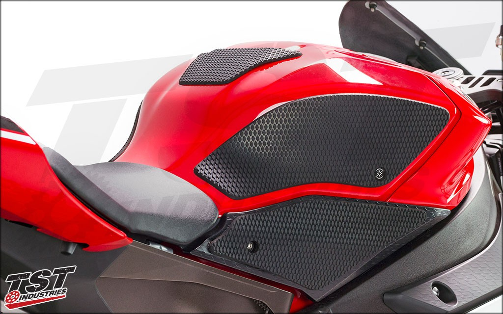 TechSpec USA Snakeskin on the 2015 Yamaha YZF-R1.