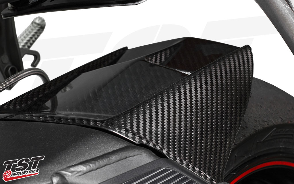 Instantly improve the looks of your Yamaha R6 with the Twill Carbon Fiber Rear Tire Hugger.