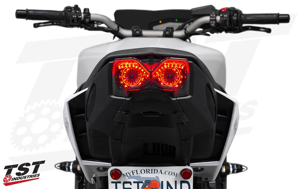 Ditch the boring stock signals and rear tail light and give your FZ-09 / MT-09 the upgrade it deserves. Non-blemished shown