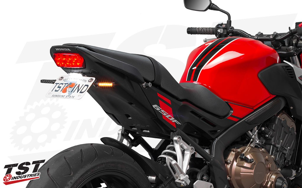 Combine this Fender Eliminator with the Low Profile License Plate Light and BL6 LED Pod Signals for a revamped tail section on your CB650F / CBR650F.