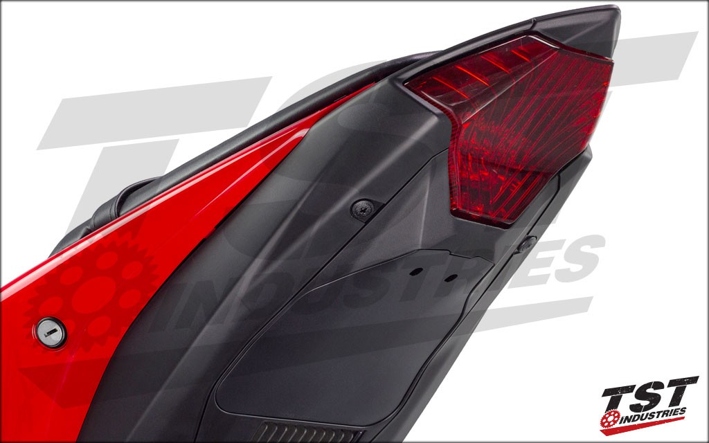Undertail Fairing follows the shape, color and texture of the YZF R3 tail section.