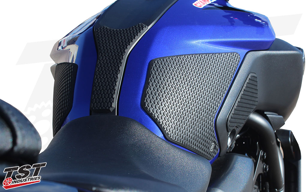 Decrease body fatigue while also protecting your MT-07 paint and body panels.