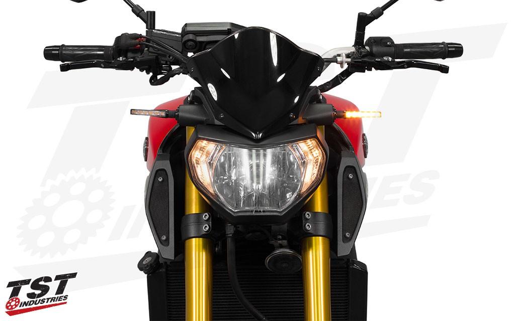 BL6 LED Pod Turn Signals shown on the Yamaha FZ-09 / MT-09.