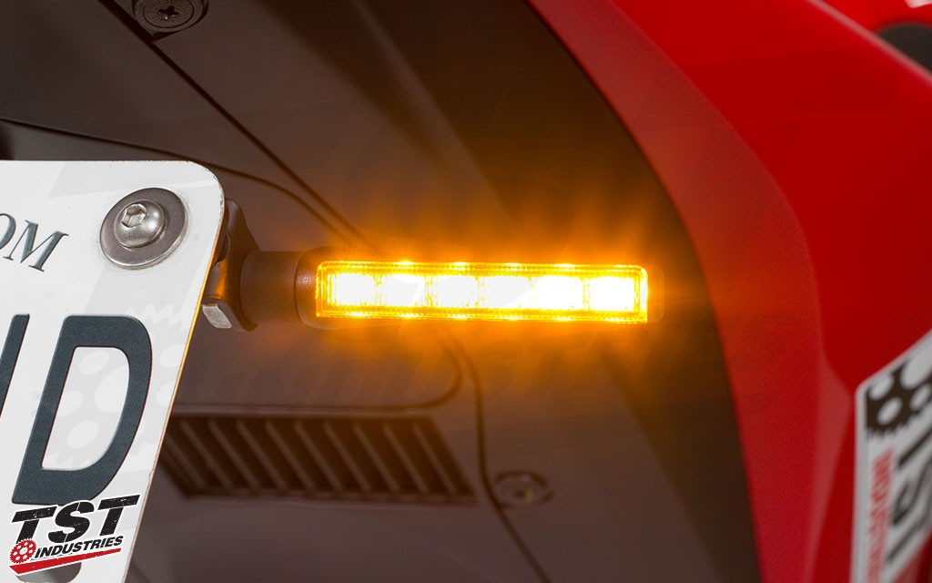 Demand the attention from others on the road with 6 high output SMD style LEDs.