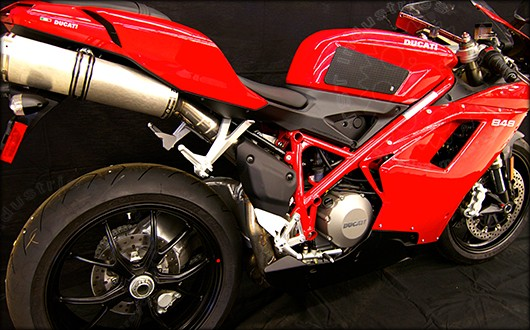 TechSpec Gripster Tank Grip on a Ducati 1098