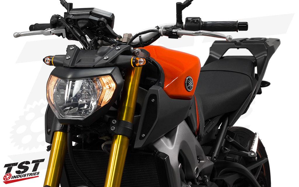 TST Industries MECH-GTR LED Front Turn Signal on the 2014-2016 Yamaha FZ-09 / MT-09.