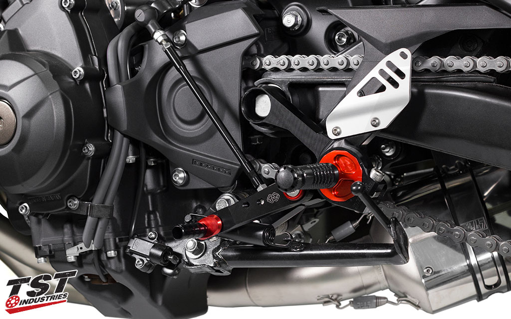 Gilles Tooling RCT10GT shift side rearset installed on the Yamaha FZ09 / MT09.