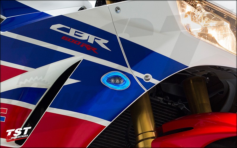 TST LED HALO-1 Front Flushmount Turn Signals on the 2013+ CBR600RR. (Blue HALO shown)