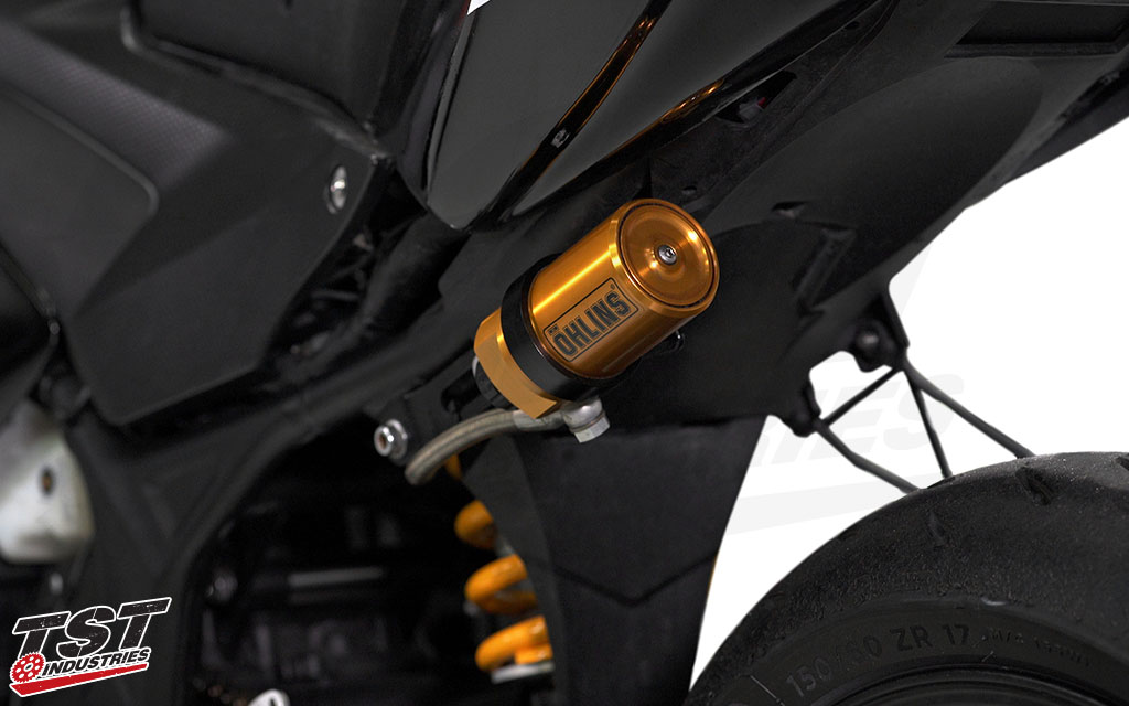 The Ohlins STX 46 Hypersport features a hose mounted reservoir and comes with all the mounting hardware you need.
