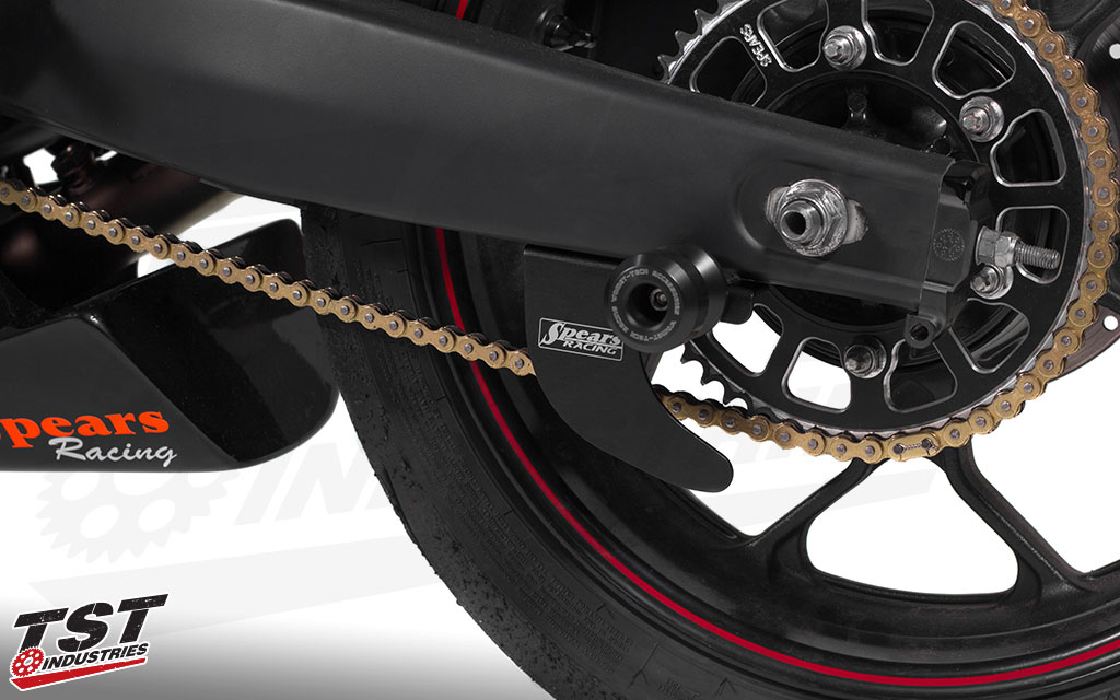 Simply and easily secure the Toe Guard with a swingarm spool.