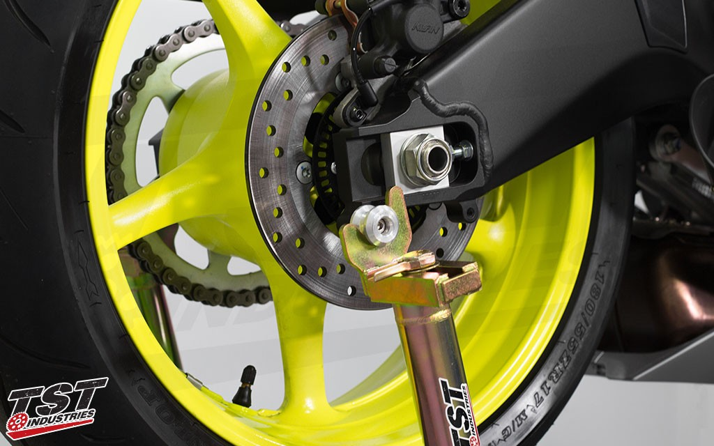 Womet-Tech Swingarm Spools on the 2017 Yamaha YZF-R6.