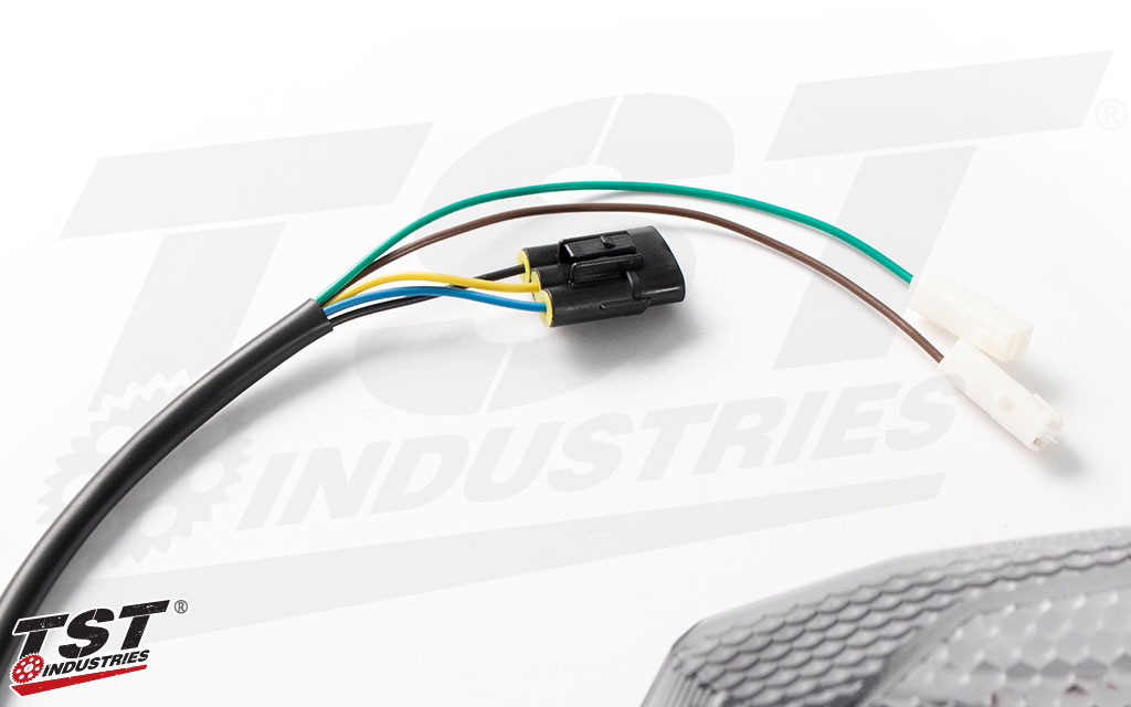 Plug and play connectors enable a simple and easy installation on your Kawasaki Z900.