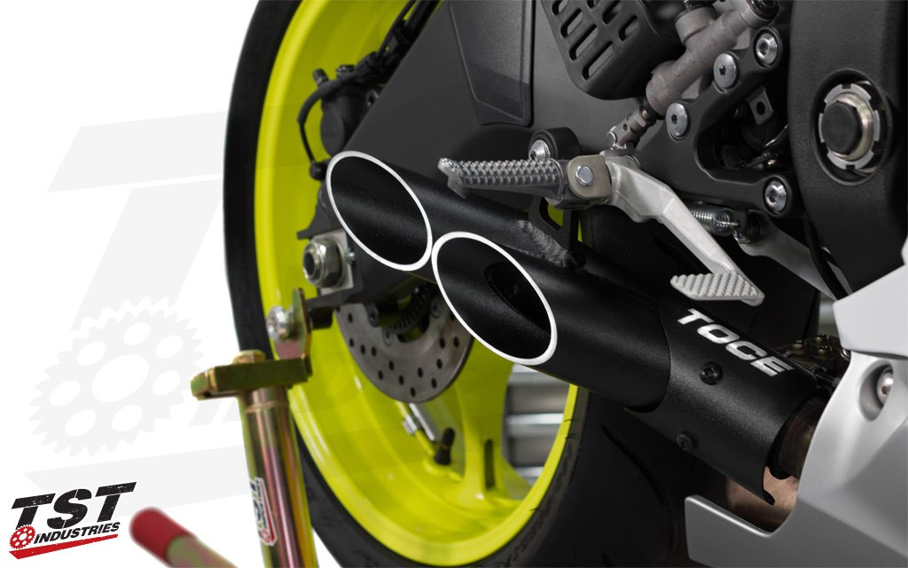 Improve the looks and sound of your R6 with the Toce Double Down Exhaust.