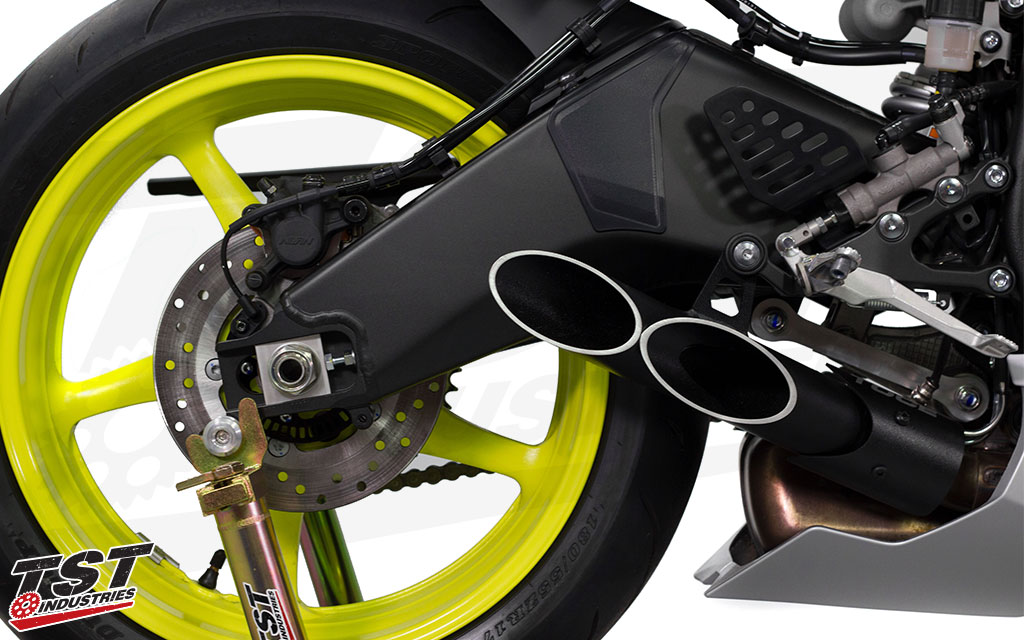 Toce Double Down Exhaust on the 2017 Yamaha R6.