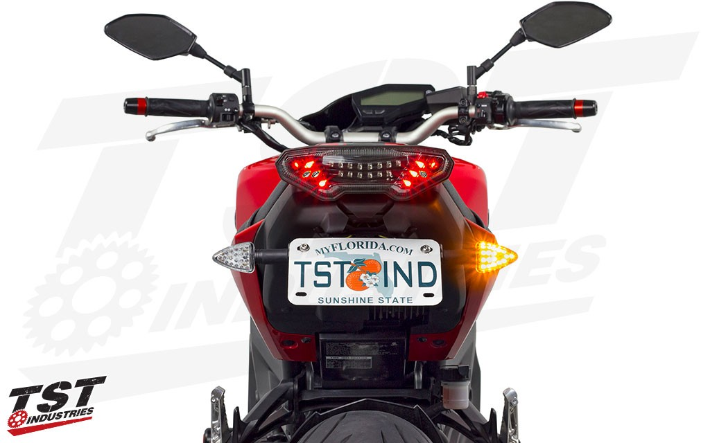Improve your bike with sleek and bright turn signals that demand attention with 32 combined LEDs.