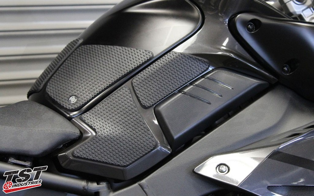 TechSpec Snake Skin Kit features a center tank protector. (Snake Skin Kit Shown)