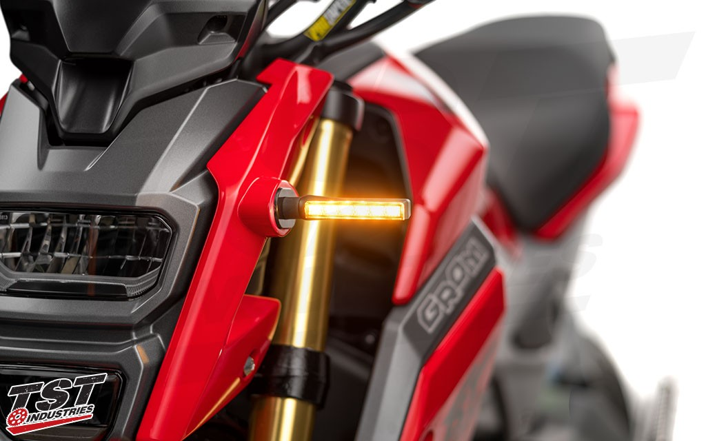Choose between the BL6 or ARO18 LED turn signals. (Smoke BL6 signals shown)