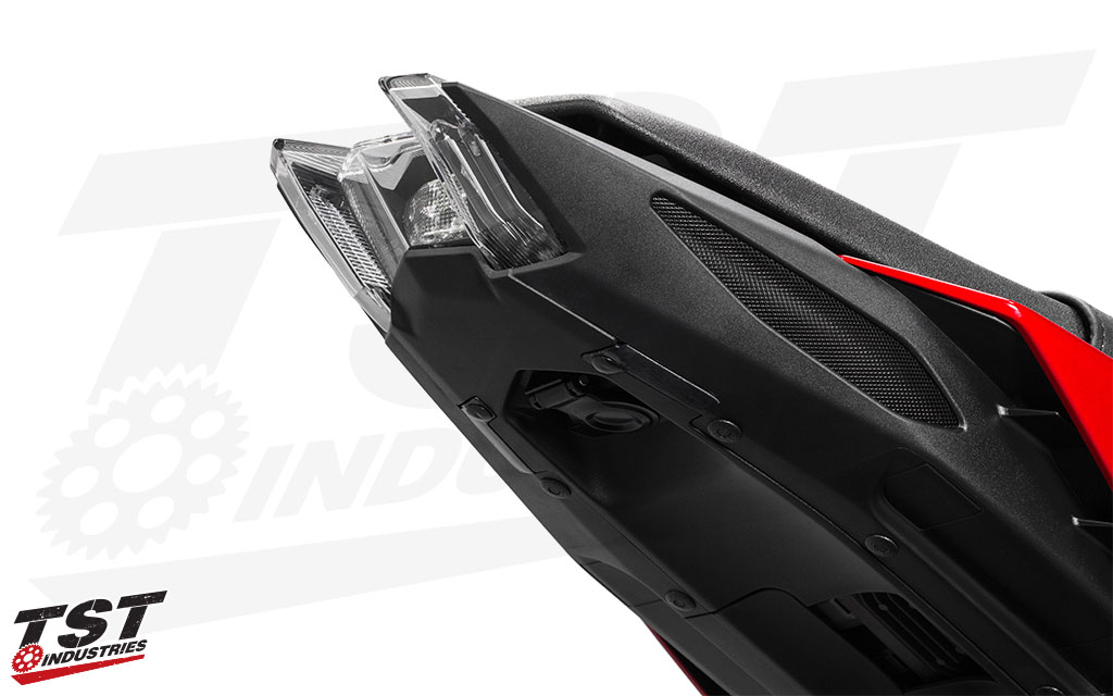 The TST Industries udnertail closeout neatly cleans up the undertail of the 2017+ Yamaha FZ-09 / MT-09.