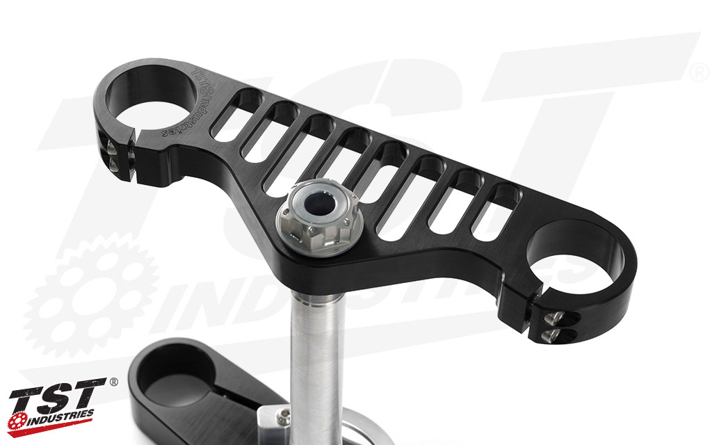 Gain a 47.5% weight reduction compared to the OEM Yamaha triple clamp.