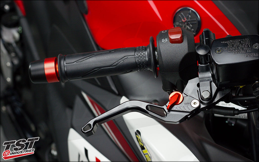 Womet-Tech Evos Shorty Brake Lever on the Yamaha YZF-R3. Also fits the 2020+ MT-03.