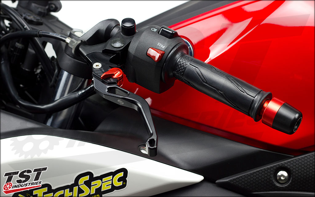 Womet-Tech Evos Shorty Clutch Lever on the 2015+ Yamaha R3.
