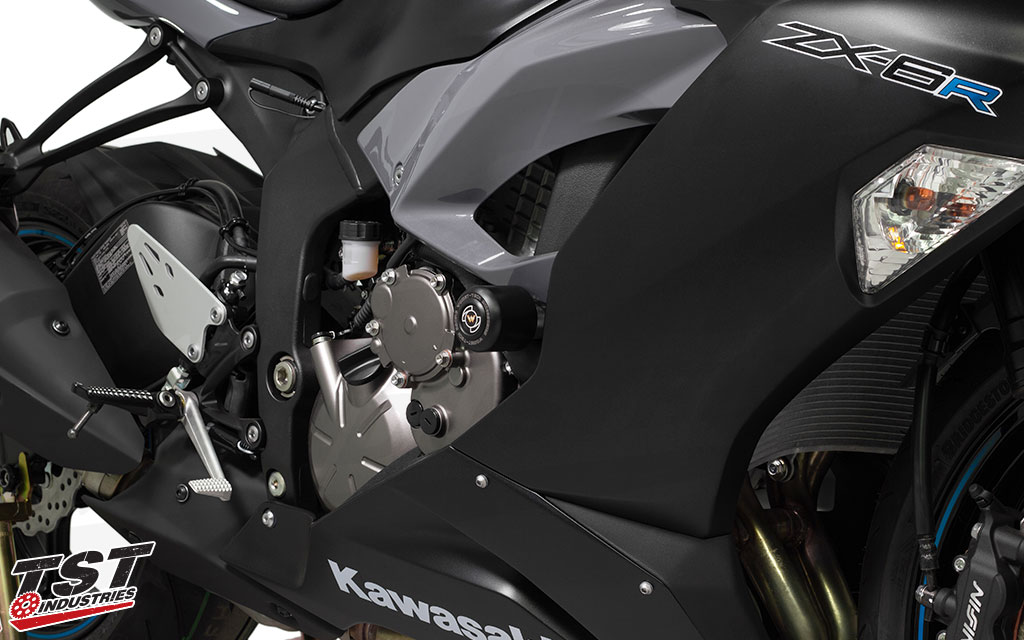 No-cut frame sliders for Kawasaki ZX6R.