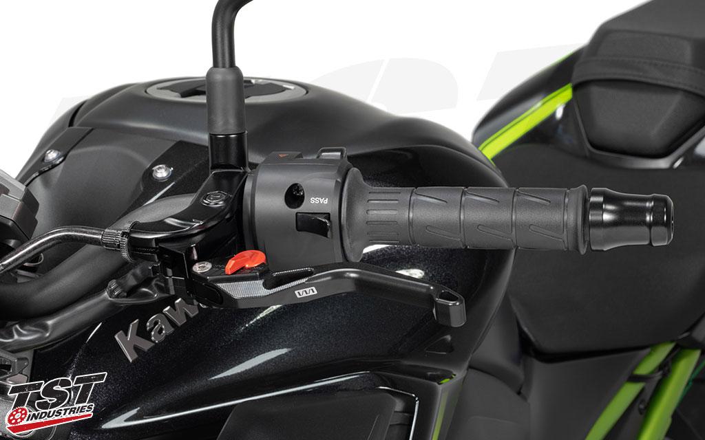 Womet-Tech Evos Shorty Levers on the Kawasaki Z900.