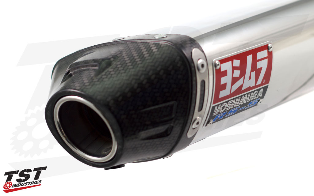 Each Yoshimura RS-5 slip-on canister features a carbon fiber exhaust tip.