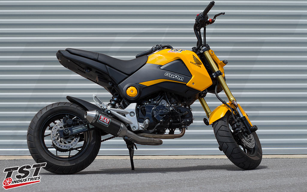 Easily install the Yoshimura RS-2 exhaust on your 2013-2016 Grom with the Low-Mount Exhaust Bracket - sold separately.