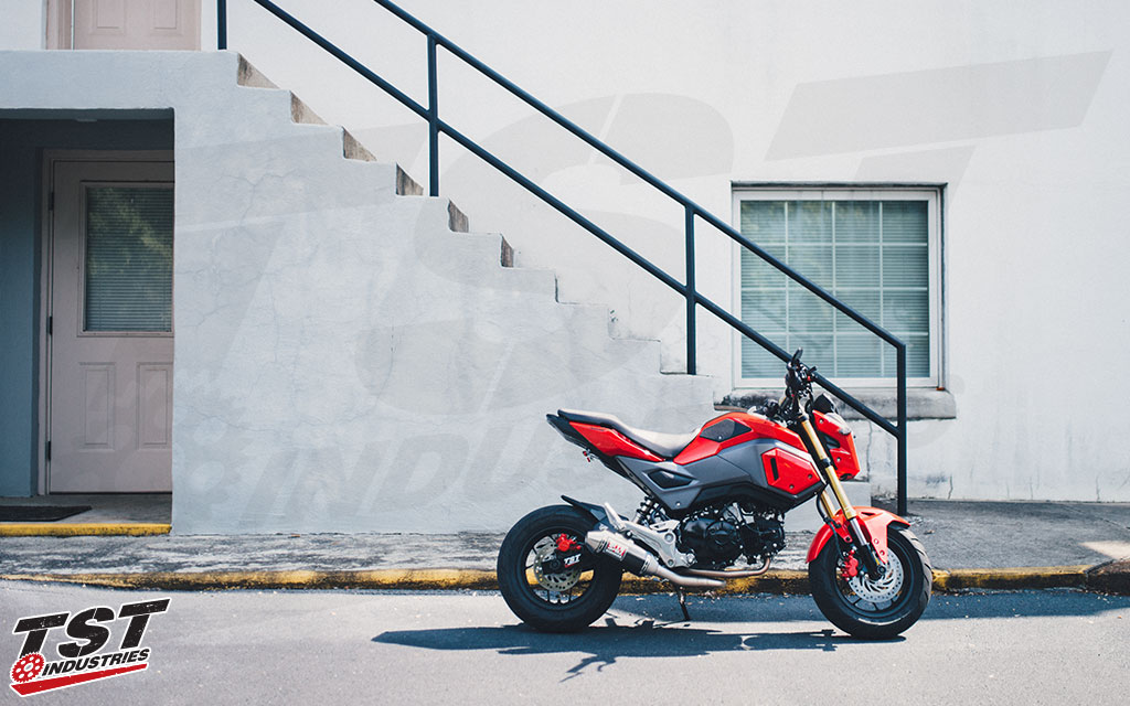 2017 Honda Grom with the Yoshimura RS-2 Race Mini Exhaust.
