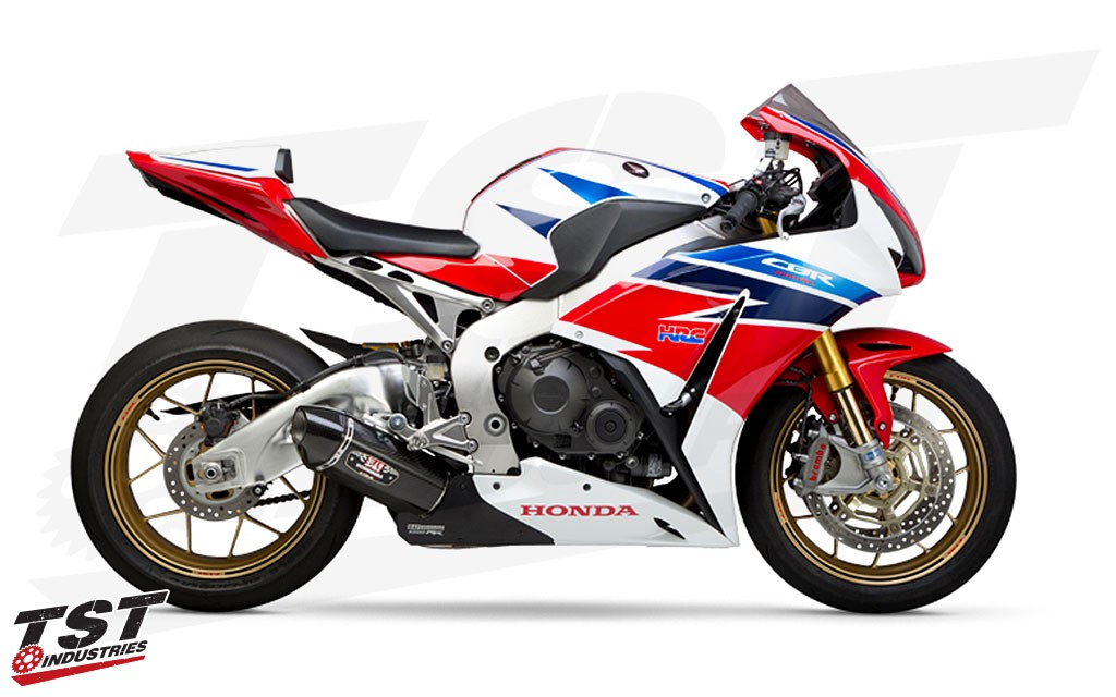 Improve the performance, looks, and sound of your 2014-2016 Honda CBR1000RR with the Race R-77 Exhaust from Yoshimura.