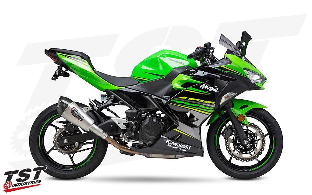 2018+ Kawasaki Ninja 400 with the Yoshimura ALPHA T slip-on exhaust.