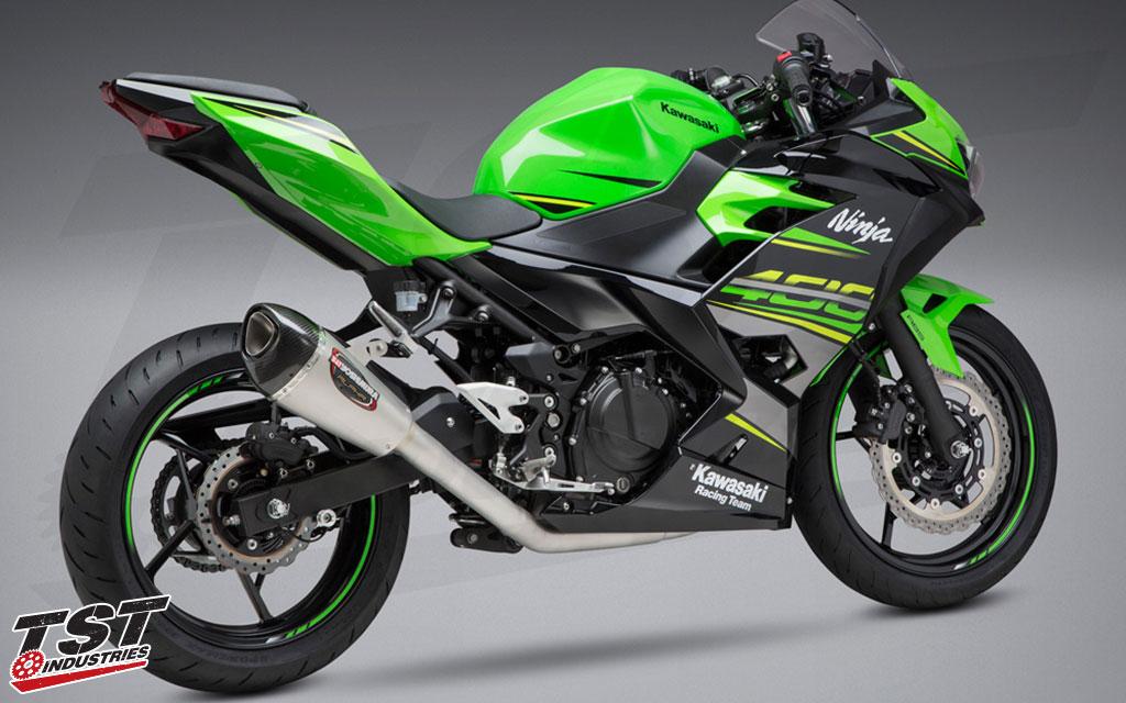 2018+ Kawasaki Ninja 400 with the Yoshimura Race ALPHA T Full System Exhaust.